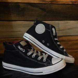 Black All-star Converse High-tops